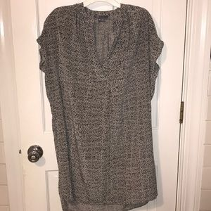 Gray Vince tunic dress with pockets. Size XS